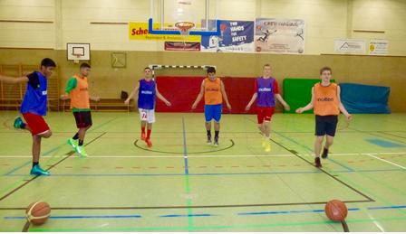"""Projekt """"Neue Basketballkörbe für die Neustadt"""""""